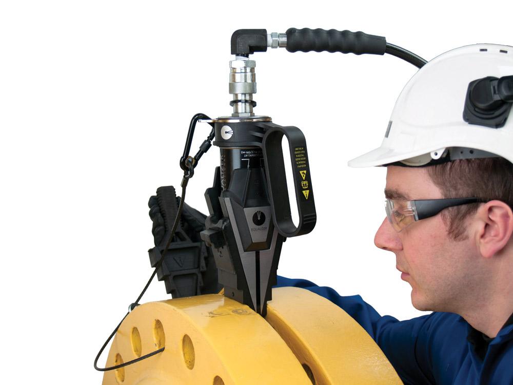swi20-25-external-pump-flange-spreader-application